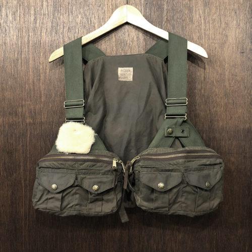 Filson Foul Weather Fly Fishing Vest(フィルソン フォールウェザー フライフィッシング ベスト)ストラップ型 オイルドベスト
