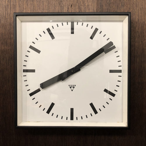 Pragotron Metal Wall Clock Square EX Large パラゴトロン メタル ウォール クロックラージ スクエア形状 エクストララージサイズ 壁掛け時計 ビンテージ