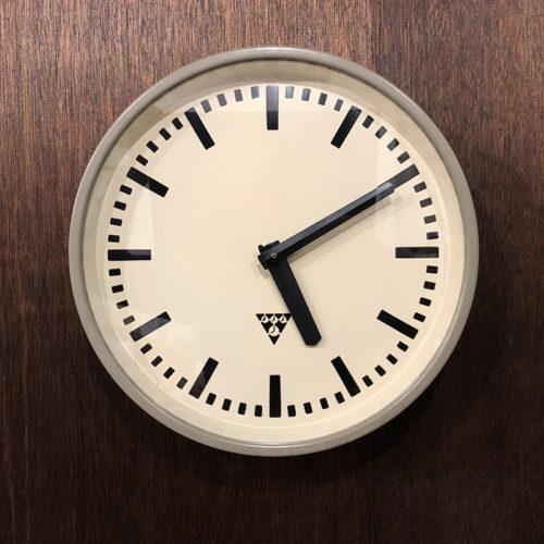 Pragotron Gray Metal Wall Clock パラゴトロン グレー メタル ウォール クロック クォーツ改装品 ビンテージクロック 壁掛け時計